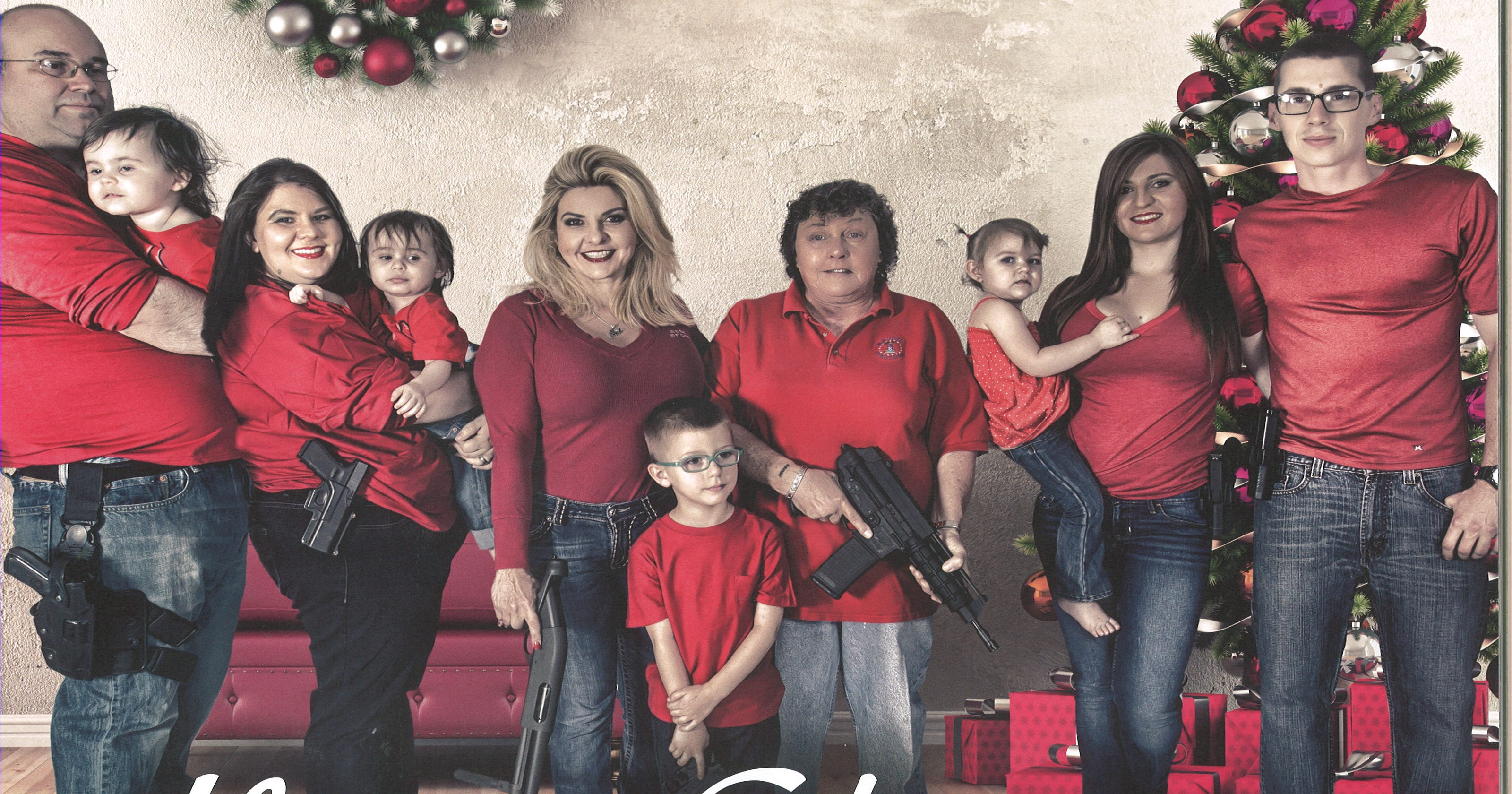 Whole family packs heat in lawmaker\'s Christmas card