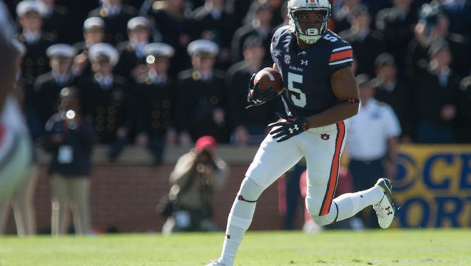 Auburn Tigers wide receiver Ricardo Louis (5) runs downfield during the NCAA football game between Auburn  and Georgia on Saturday, Nov. 14, 2015, in Auburn, Ala.  Louis was invited to the NFL Scouting Combine in February 23-29, 2016.