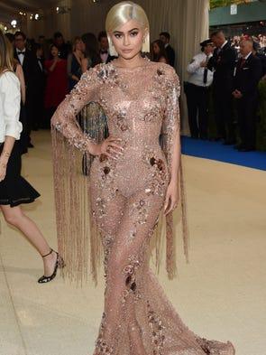 Happy birthday, Kylie Jenner! The stylish star turns