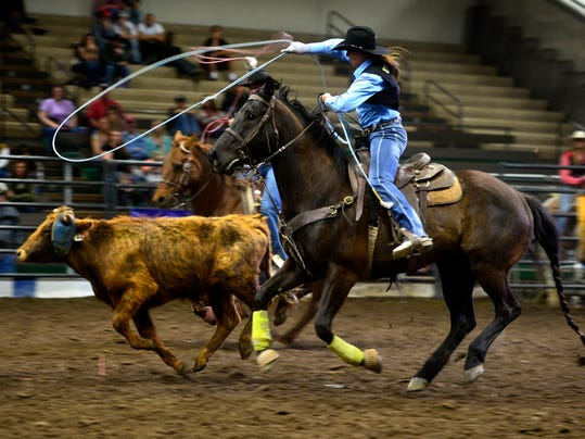 -05012015_rodeo friday-b.jpg_20150501.jpg