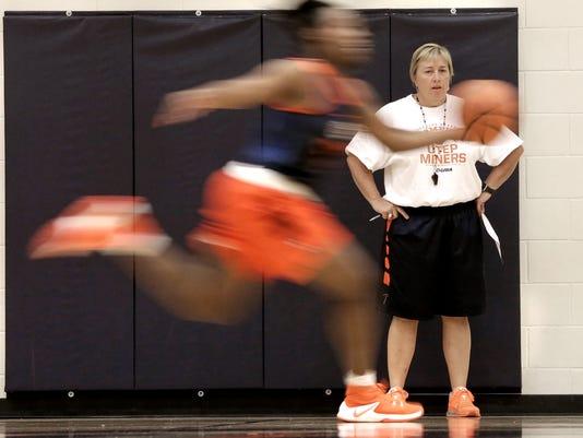 UTEP Womens Basketball Practice 2.jpg
