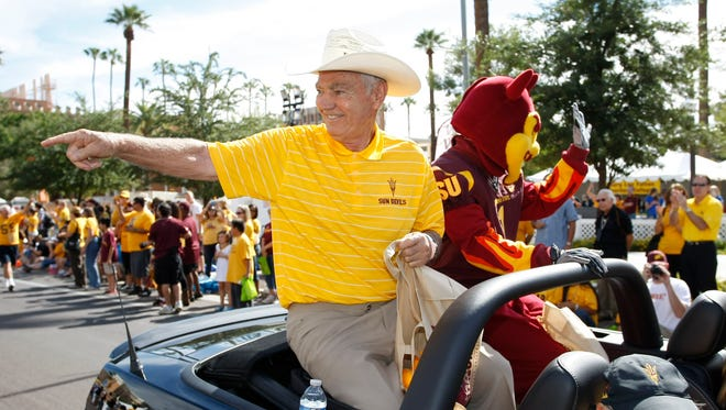 Former Arizona State University football coach Frank Kush was the grand marshal at ASU's homecoming parade Saturday in Tempe, AZ.
