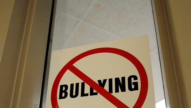 A motivational speaker will discuss bullying and conflict on Monday at Jackson Elementary School.