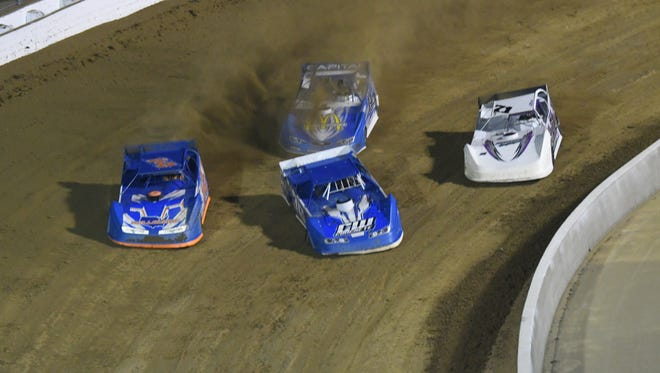 Mansfield Motor Speedway hosts the FREEDOM 50 event on Sunday, featuring Late Models and Street Stocks.