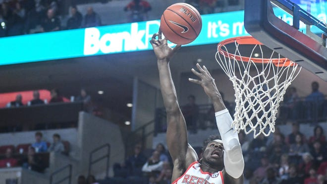 Ole Miss guard Terence Davis (3) scored at least 20 points in the second half for the second consecutive game.