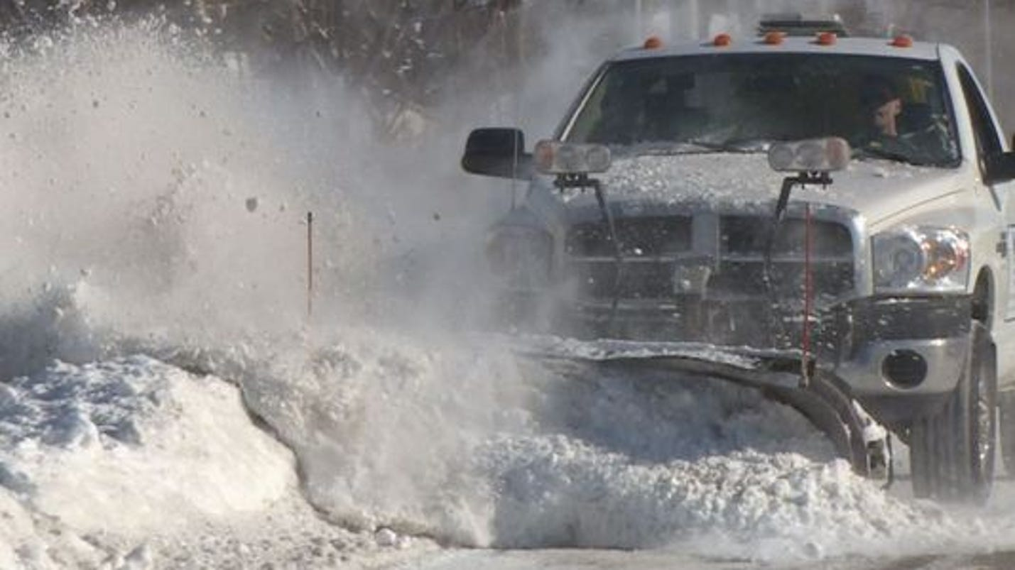 Michigan store owner uses snowplow to capture theft suspect