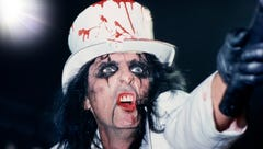 'If you look away, you miss something': Rock legend Alice Cooper returns to Des Moines next week