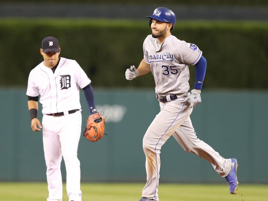 Eric Hosmer rounds the bases after his grand slam against