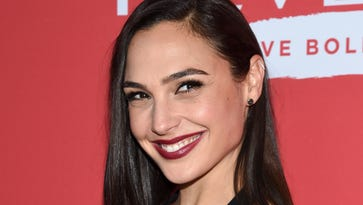 Gal Gadot slammed for tweeting Stephen Hawking is now 'free from physical constraints'