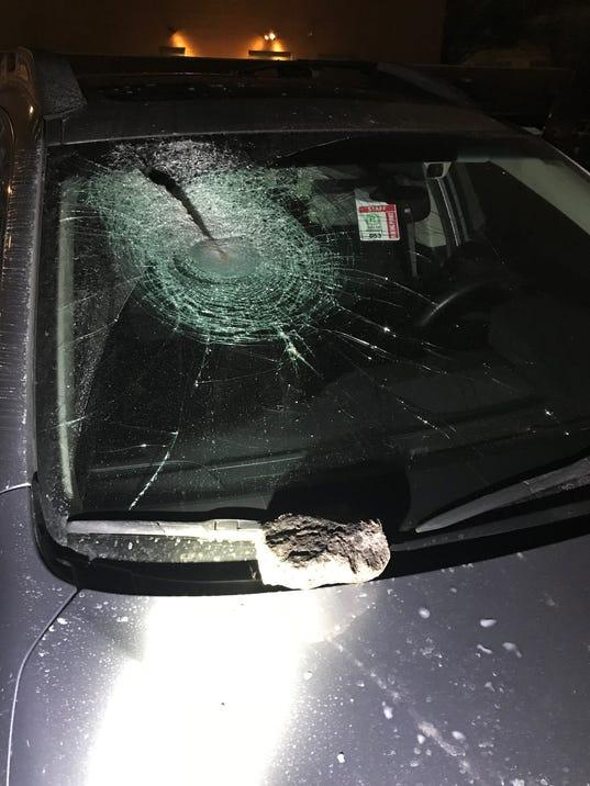 636530223394110440-broken-windshield.jpg