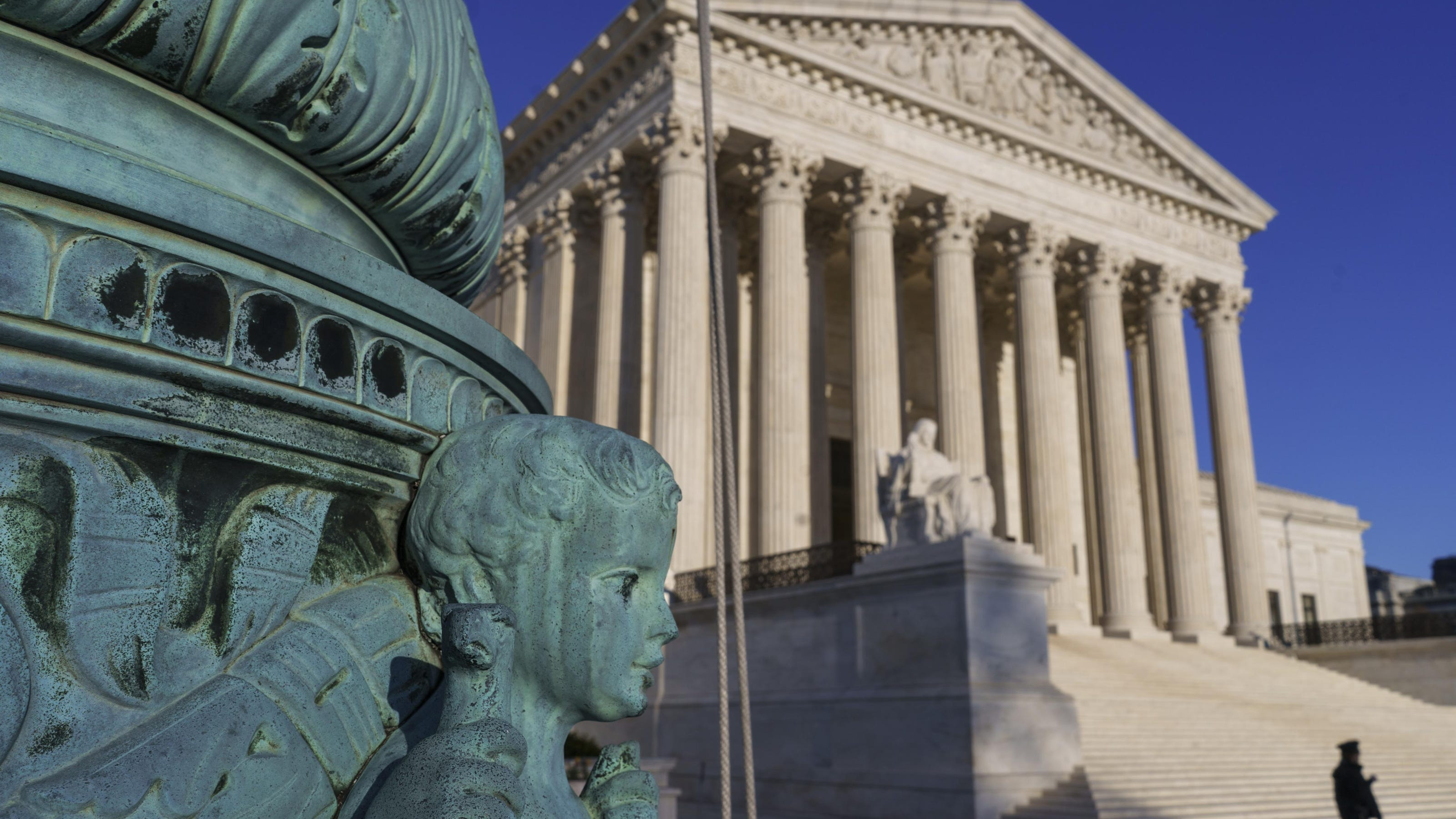 Supreme Court: Employers can bar worker class actions