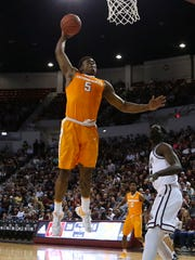Tennessee Volunteers forward Admiral Schofield (5)