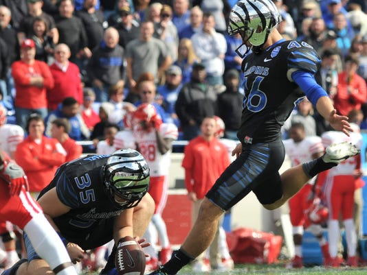 NCAA Football: Houston at Memphis