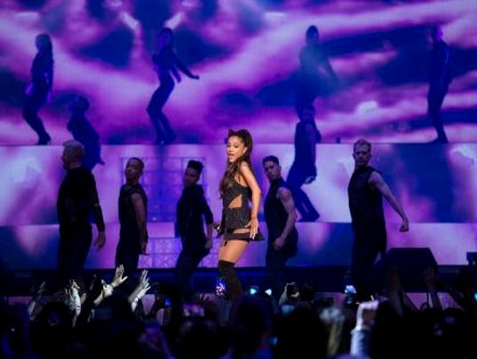 Police warn of ariana grande ticket scam - Ariana grande concert madison square garden ...