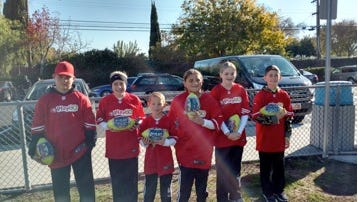 Top finishers in the Mesuqite sectional group, from left, Wyatt Delano, Brooklin Montoya, Jackson Winters, Victoria Tausiuga, Eris Lewis and Keenan Togisala stand with their prizes.