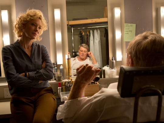 Cate Blanchett (left) as Mary Mapes and Robert Redford