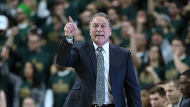Michigan State head coach Tom Izzo calls a play against Maryland during the first half Thursday.