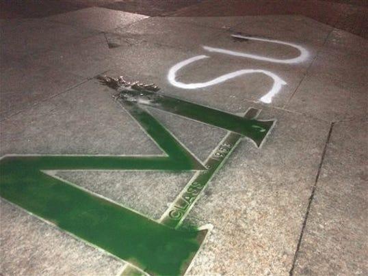 635495758311134308-U-M-vandalism