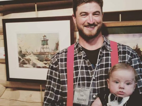 Award-winning local artist Dan Mondloch will demonstrate