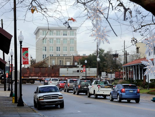 Train traffic in Downtown Hattiesburg | Gallery