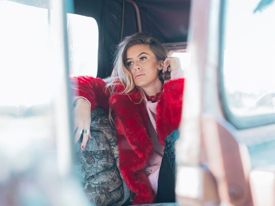 Kassi Ashton is a singer-songwriter from California, Mo., who recently signed with Universal Music Group Nashville.