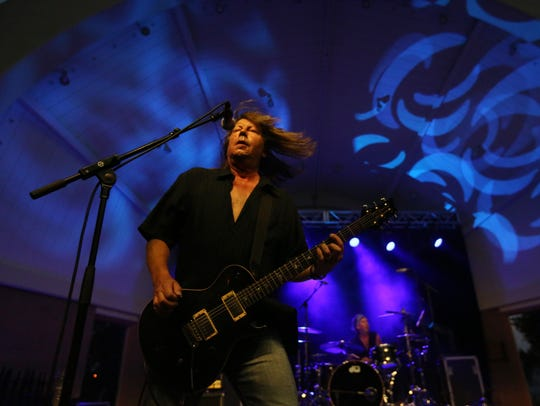 A performance by the Pat Travers Band served as a beta