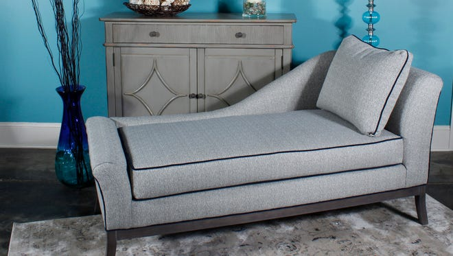 A number of popular trends surround this mid-century-inspired chaise.