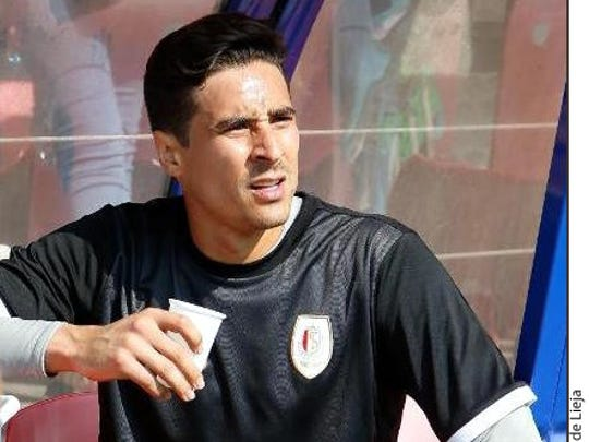 Guillermo Ochoa, arquero del Sporting Leija de Bélgica.