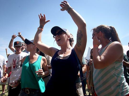 Dancing_cheer.jpg