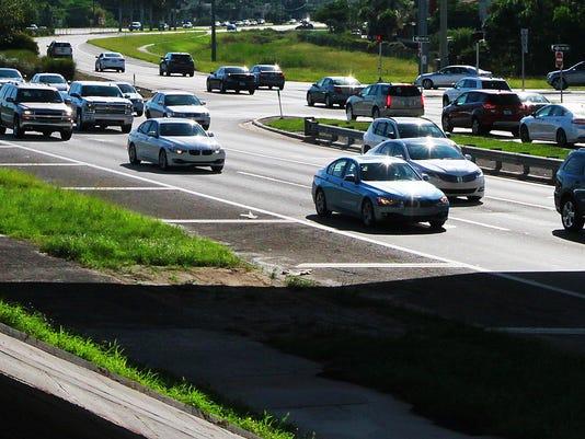 FNPBrd_08-16-2015_NewsPress_1_A010--2015-08-15-IMG_Traffic_Scene_1_1_CDBKD67