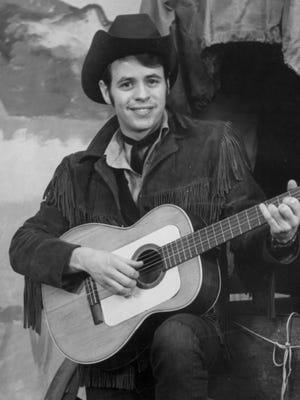 Cowboy Bob Glaze, as host of Chuckwagon Theater