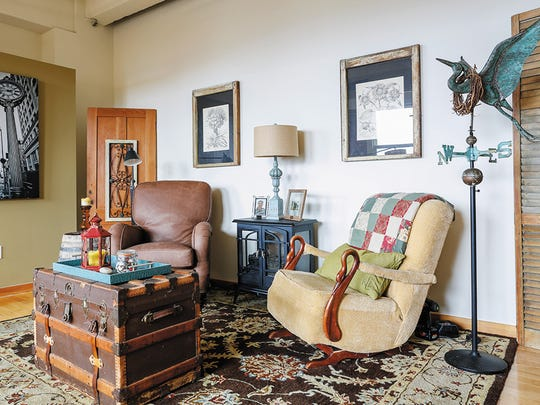 To decorate her space, Callens has pulled together an eclectic mix of items from her travels (especially Mexico), family heirlooms and salvaged pieces.