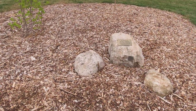The Gottfried Prairie and Arboretum, located on the grounds of UW-Fond du Lac, along with Altrusa planted a memorial garden in memory of Leslyn Shires, a past Altrusan and long-term board member of the Gottfried.
