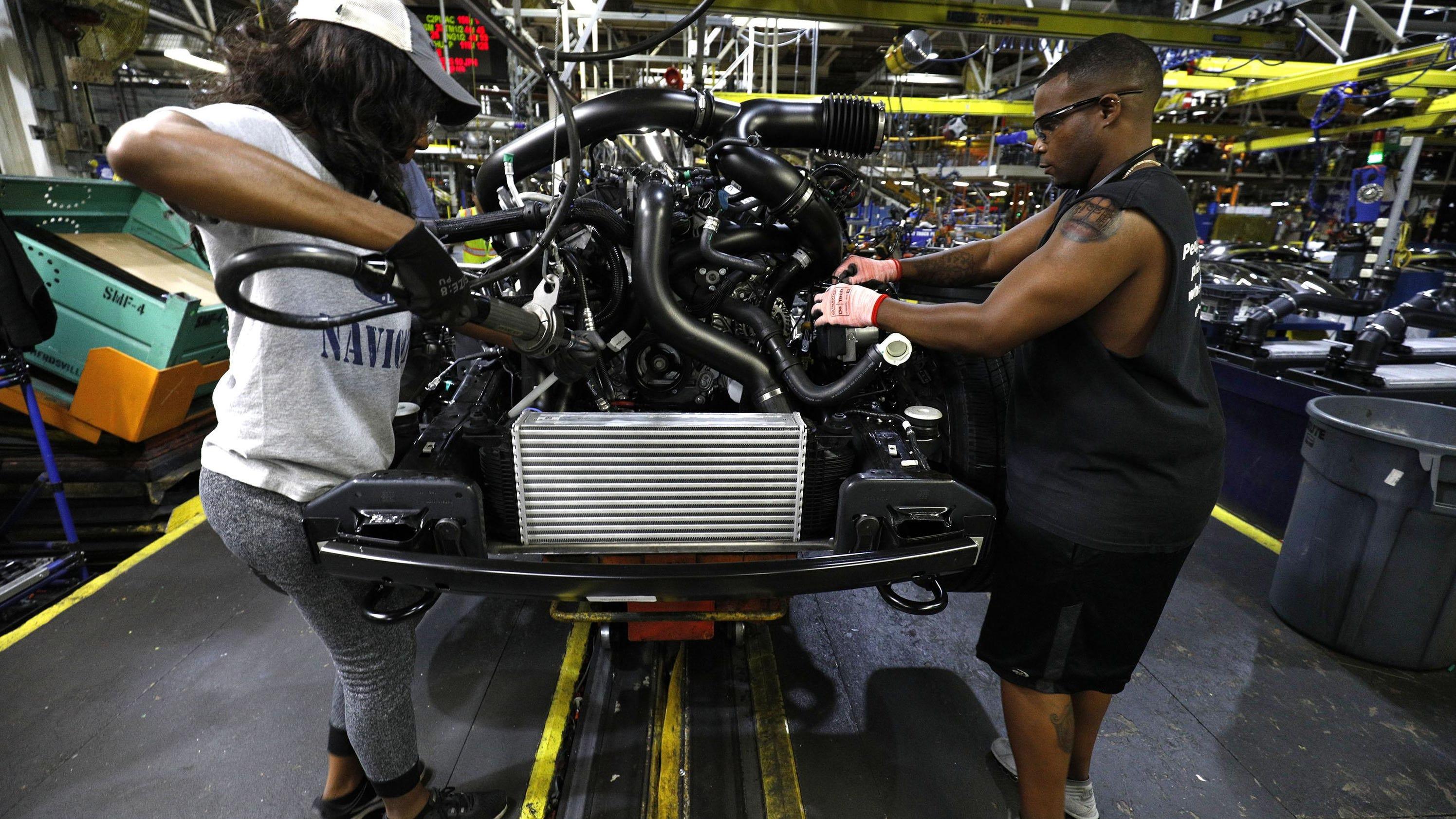 Ford to award profit sharing checks of $7 500