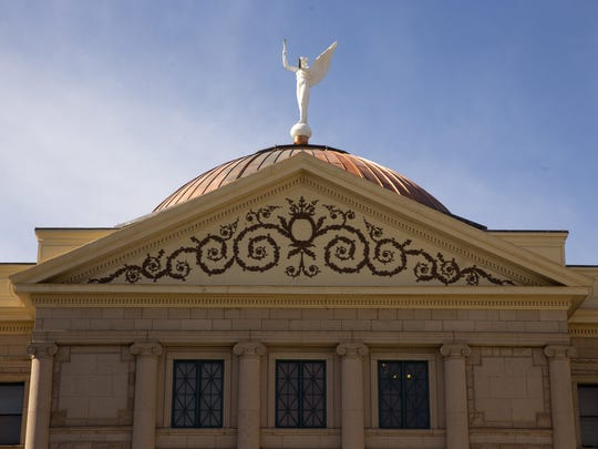 Gov. Doug Ducey announced Arizona will retake ownership of the state Capitol and other government buildings during his State of the State speech Monday.