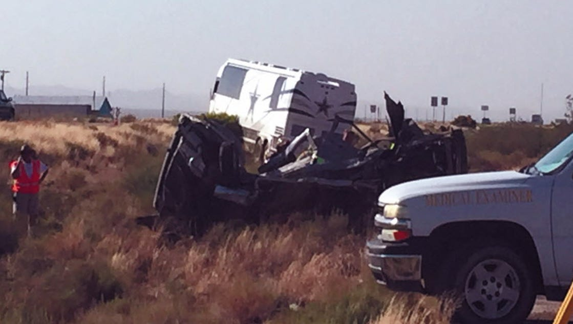 cowboys tour bus involved in fatal crash in arizona. Black Bedroom Furniture Sets. Home Design Ideas