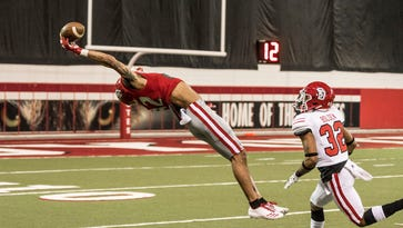 Austin Simmons excites in South Dakota Coyotes spring game that includes ESPN's top play of the night