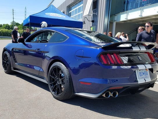 How to tell the 2019 Ford Mustang Shelby GT350 apart