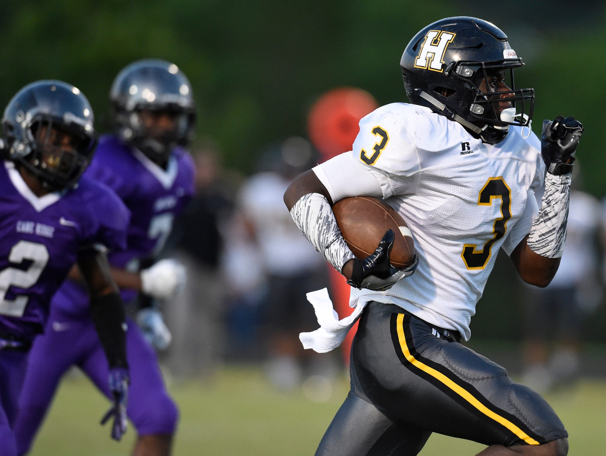 Hendersonville's Anthony Hughes (3) scored four touchdowns in the Commandos' 47-46 loss at Cane Ridge