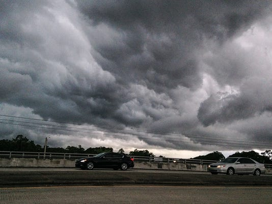 635695520660072743-storm-cloud