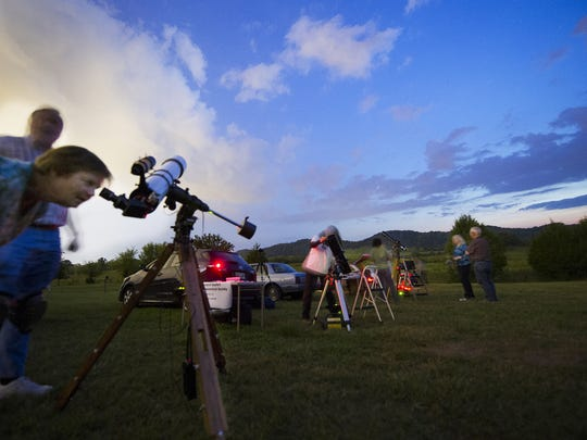 "Members of the Barnard-Seyfert Astronomical Society host ""star parties""  including one  Friday night at Bowie Nature Center."