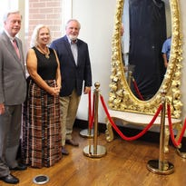 Franklin House Hotel's grand mirror returns to downtown Clarksville