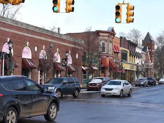JOHN HEIDER   STAFF PHOTOGRAPHERSouth Lyon's Lake Street looking east at the Pontiac Trail intersection.