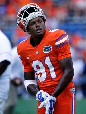 Florida Gators wide receiver Antonio Callaway (81) works out prior to the game against the Kentucky Wildcats.