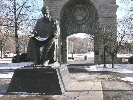 Statue_of_Nikola_Tesla_in_Niagara_Falls_State_Park