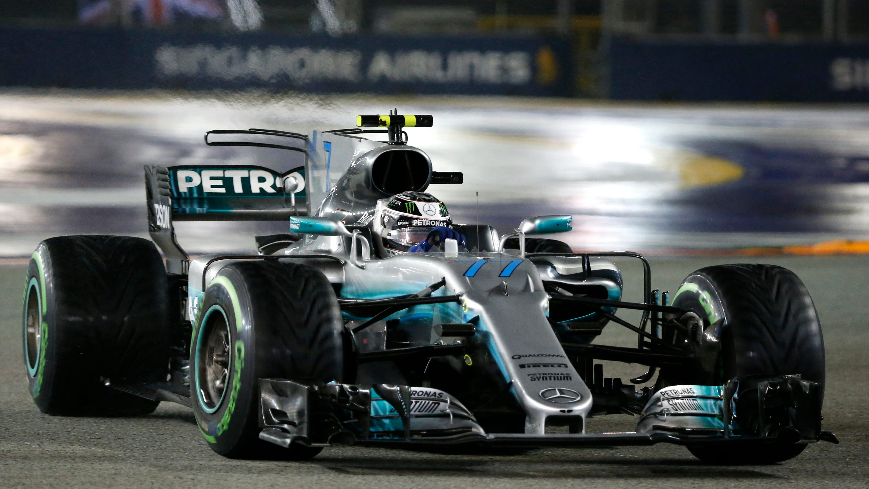Hamilton wins Singapore GP as title rival Vettel crashes