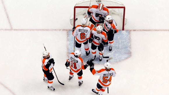 Brian Elliott, who was pulled in Game 1 after allowing five goals on 19 shots, was one of the Flyers' best players in Game 2.