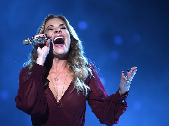 LeAnn Rimes will will sing holiday favorites and some of her country hits Saturday at the McCallum Theatre.