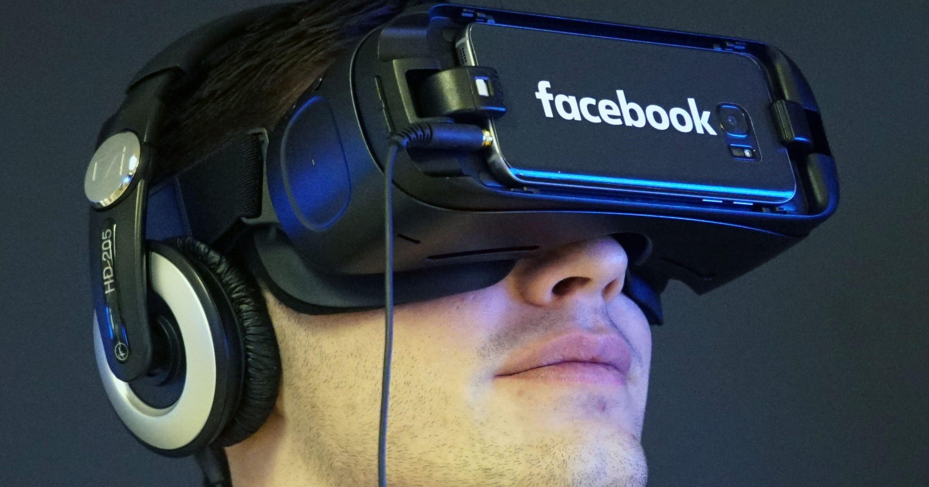 Facebook pop-up stores offer taste of VR