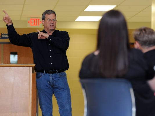01-CGO-0526-Sam-Quinones-talks-to-educators.JPG